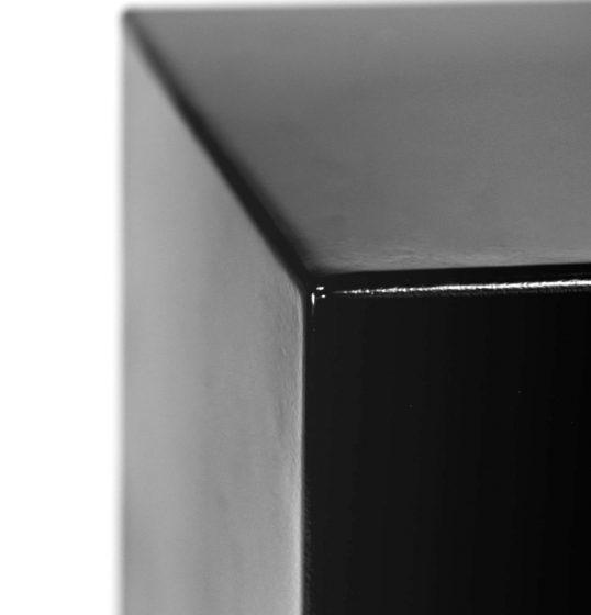Plinth detail black